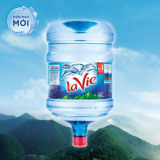 nước khoáng LaVie bình úp ngược