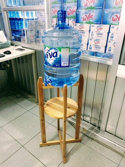 nước tinh khiết La Vie có vòi